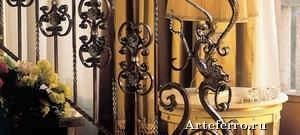 Дизайн гостиной с использованием кованых элементов