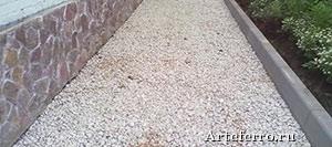 Отмостка тротуарной плиткой - особенности и преимущества