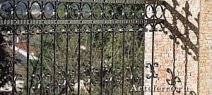 Художественная ковка: ограда и кованые решетки