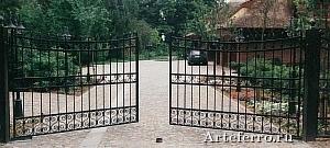 Ковка ворот для загородных домов