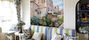 Современные фрески на стенах и потолке в гостиной